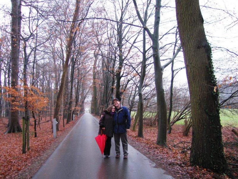 walkinguptothebentlagecastlerheinegermanyfeb06